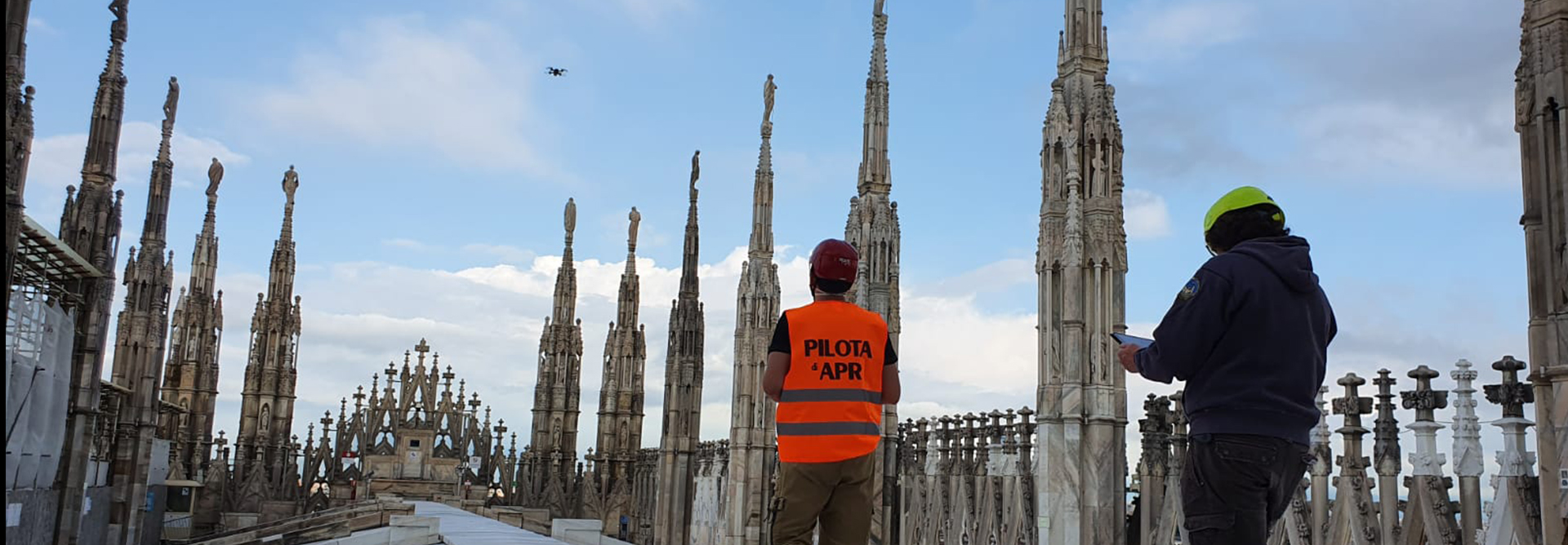 Survey activities on Duomo di Milano rooftops
